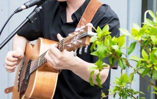 Darren is a Guitarist based Somerset, South West England UK | Fingerpicking guitarist